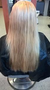 Lähtötilanne. Tukka oli luonnossa keltaisempi kuin kuva antaa ymmärtää.